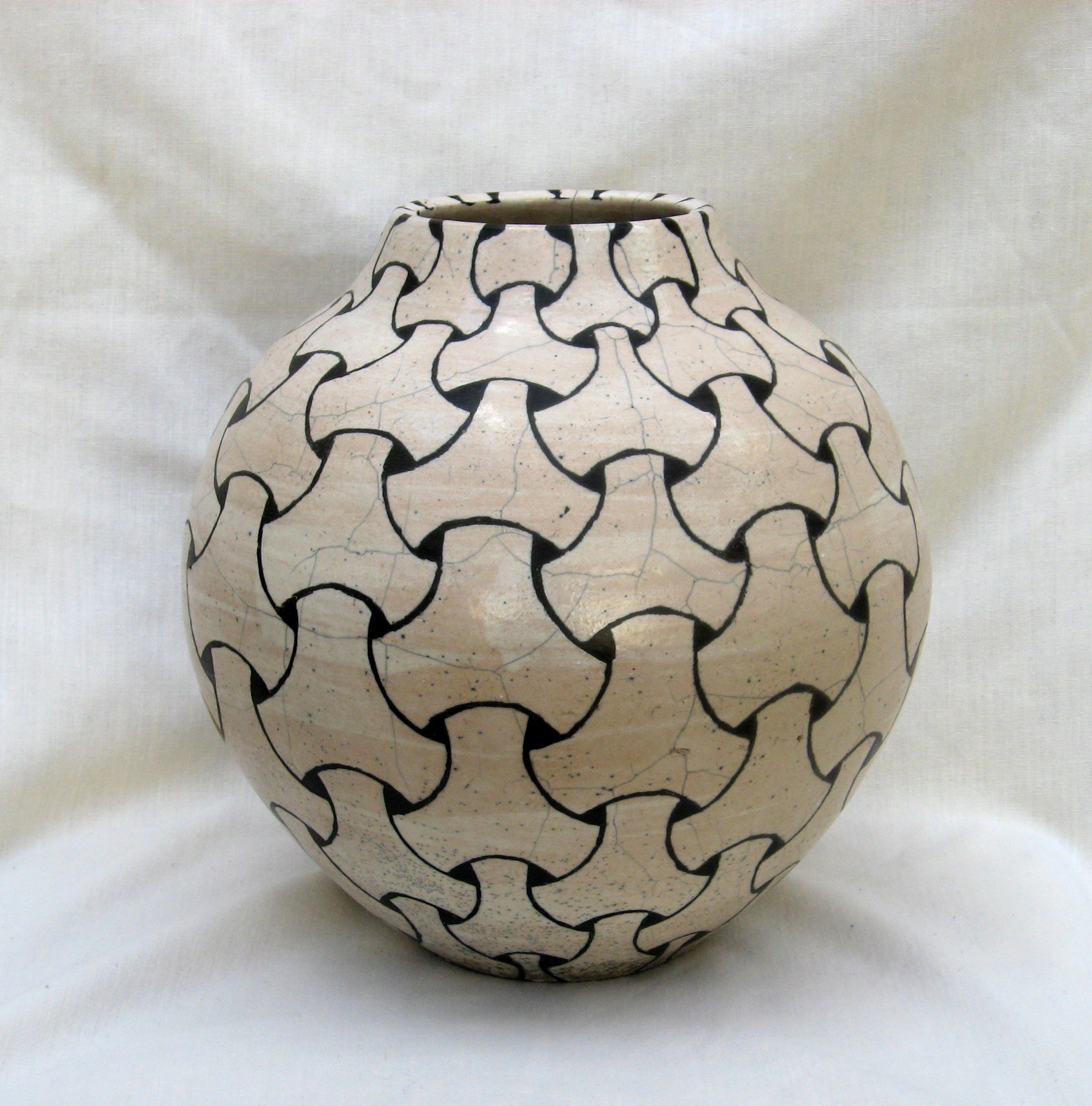 Black & White  tiling pattern on raku pot by Terry Hagiwara